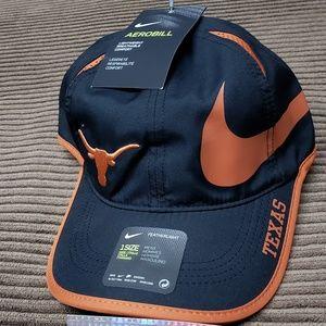 buy online 309d0 56641 Nike Accessories - Texas Longhorns Nike NCAA dri-fit featherlight hat